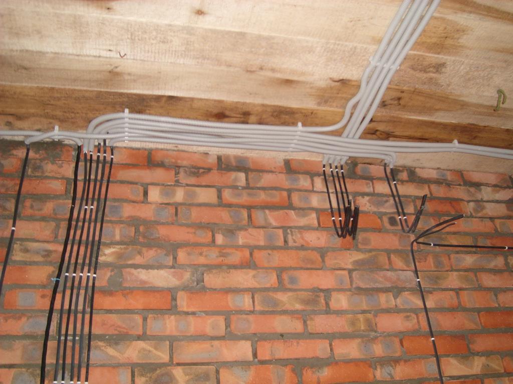 Электропроводка в кирпичном доме пошаговая